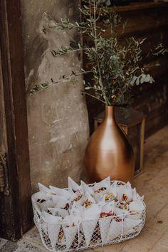OUR DAY Photo By Maria Pirchner Fotografie Herr Von Eden, Vase, Inspiration, Flower Girls, Flowers, Wedding, Painting, Home Decor, Wedding Morning