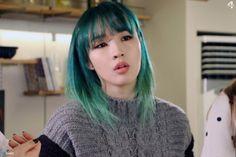 Image about hair in by Vicky Basterra (비키) Kpop Girl Groups, Korean Girl Groups, Kpop Girls, Kpop Hair Color, Girls Group Names, Aesthetic Hair, Love Hair, Celebs, Celebrities