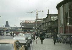 Centraal Station 1973 | Oude stationshal, met de nieuwe in aanbouw. En nu weer anders! Dit is teveel in één leven Utrecht, Rotterdam, Centraal Station, Back In The Day, Netherlands, Holland, Places To Visit, Street View, Cityscapes