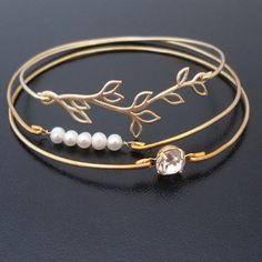White Pearl Bracelet Gold Pearl Jewlery Pearl by FrostedWillow
