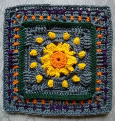 Part4: KÄTKETTY AURINKO - HIDDEN SUN. Designed by Susku Öysti. Crocheted by Päivi M Crochet Bunting, Crochet Afghans, Crochet Squares, Crochet Blankets, Crochet Granny, Granny Squares, Knit Crochet, Granny Pattern, Foundation Piecing