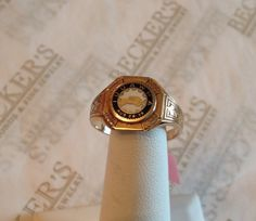 Men's vintage 10k yellow gold signet ring by BeckersJewelersCT