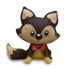 Uma linda raposinha em feltro com moldes gratuitos da Felt Color Felt Patterns, Stuffed Toys Patterns, Dog Crafts, Felt Crafts, Plush Animals, Felt Animals, Elephant Template, Doll Toys, Dolls