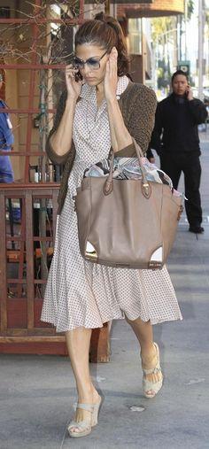 eva mendes - soooooo cute in this outfit.