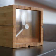 Home Clock, Diy Clock, Cool Woodworking Projects, Wood Projects, Small Clock, Displays, Modern Clock, Wood Clocks, Shower Remodel