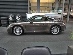 Porsche 911 Carrera cruise control Navi Xenon as a sports car / coupe in Lübeck