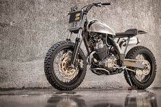 Honda XR400R Dirt Track by Benjie's Cafe Racer #motorcycles #dirttracker #motos | caferacerpasion.com
