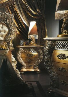 Italian Furniture - Luxurious Luxe Italian Bedroom Furniture