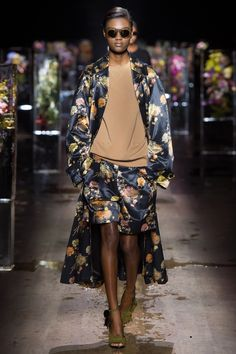8cd8daec65 Dries Van Noten Spring 2017 Ready-to-Wear Fashion Show - Naki Depass
