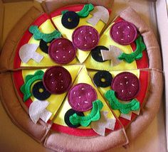 Whole-pizza-with-box
