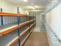 Renting A Self-Storage Unit VS Buying A Shipping Container – Buy a Shipping Cont… Shipping Container Workshop, Shipping Container Storage, Metal Storage Containers, Shipping Containers For Sale, Shed Storage, Storage Room, Extra Storage, Container Shop, Cargo Container