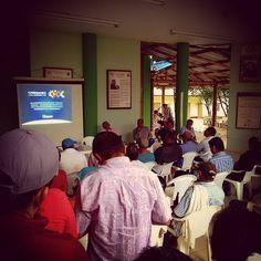 Reunión de socialización Contrato ICCU 430-2015 mejoramiento vía Ubala - Medina