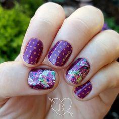 #amorejn and #pomegranatepop #jamberry #manicure #nails #nailart #prettynails #jamberrynails #nailwraps #jamberrycombos
