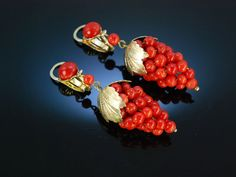 Antique grape coral earrings! Weintrauben Ohrringe Koralle Silber vergoldet Italien um 1900
