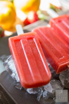 Sweet & Tart Strawberry Lemon Popsicles // Ever made your own popsicles at home? They so simple it's almost hard to believe. You get to avoid yucky artificial flavorings, colors, and ingredients and can feel great about what you are feeding your family! Made with only fruits, you'll love the taste of these swet & tart popsicles! | Tried and Tasty