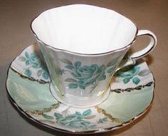 Royal Standard Cup & Saucer: 23 listings - Bonanza