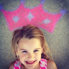 Lu Bird Baby: Chalk crowns for kid pics