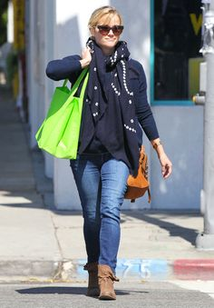 Reese Witherspoon Goes Green on a Friendly Juice Run: Reese Witherspoon ran errands in LA. #streetstyle