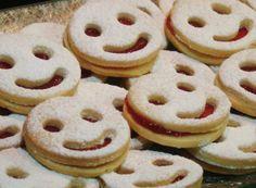 Vánoční cukroví - recepty na vánoční pečení | NejRecept.cz Party Buffet, Christmas Cookies, Rum, Cookie Recipes, Good Food, Brunch, Snacks, Brownie Cookies, Cooking