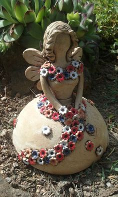Ceramic fairy with flowers / vendor goods Fler., Ceramic fairy with flowers / vendor goods Fler. Pottery Courses, Pottery Store, Pottery Tools, Ceramics Projects, Garden Art, Garden Whimsy, Garden Junk, Diy Garden, Garden Projects