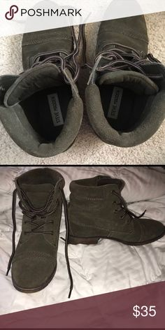 Steve Madden green boots Very fashionable, only worn couple of times Steve Madden Shoes Ankle Boots & Booties
