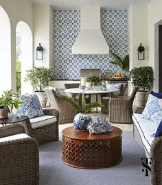 blue and white tile in outdoor kitchen