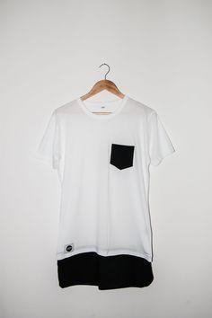 Longline Shirt / Unisex / Schwarz & Weiß #12dag #feinstepanier #schwarz #black #mode #fashion #handgemacht #handmade #wien #vienna #regional #bio #nachhaltig #vegan #organic Instagram Fashion, Unisex, Buy Now, Shirts, Crop Tops, Regional, Stuff To Buy, Vegan, Shopping