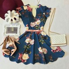 The color print cut and style of this is amazing! Pretty Outfits, Pretty Dresses, Beautiful Dresses, Cool Outfits, Summer Outfits, Summer Dresses, Teen Fashion Outfits, Look Fashion, Fashion Dresses