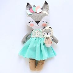 Oh this family is looking cute!! Need a papi fox and then it will be complete! You could win this baby fox! Check out my last post for details. (Mama not included in the giveaway)