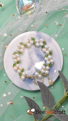Diy Crafts Jewelry, Handmade Beaded Jewelry, Bracelet Crafts, Beaded Jewelry Patterns, Handmade Bracelets, Feather Jewelry, Seed Bead Jewelry, Bead Jewellery, Jewelry Making Tutorials