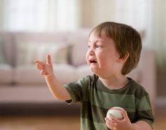 El niño hipersensible: cómo ayudarlo y potenciar sus cualidades. ver más.... http://www.alotroladodelcristal.com/2013/10/el-nino-hipersensible-como-ayudarlo-y.html