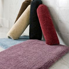 5 Places To Buy Machine Washable, Cut To Fit Plush Carpet For Your Bathroom    Retro Renovation