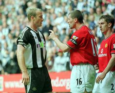 Roy Keane has words with Newcastle United's captain Alan Shearer