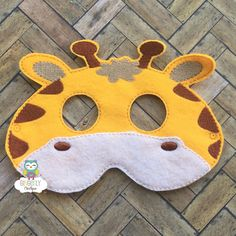 Máscara de jirafa los niños visten de la por GingerLyBoutique Baby Giraffe Costume, Giraffe Party, Paper Crafts For Kids, Preschool Crafts, Halloween Costumes For Kids, Diy Costumes, Jungle Party Favors, Monkey Mask, Felt Mask