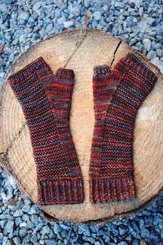 Ravelry: Project Gallery for masonry mitts pattern by Vera Brosgol