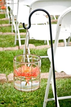 There's nothing more natural than using fresh flowers for wedding decor, especially in summer. I'm a sucker for floating flowers because water and beautiful blossom look so relaxing and so romantic together! I'm sure there's no better wedding...