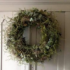 Prachtig - Lilly is Love Wreaths For Sale, Xmas Wreaths, Wreaths For Front Door, How To Make Wreaths, Door Wreaths, Dried Flower Bouquet, Dried Flowers, Xmas Decorations, Flower Decorations