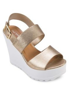 Vaywiel Wedges from Call It Spring in gold_1