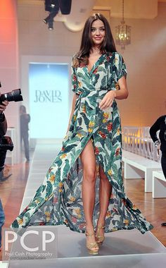Miranda Kerr-David Jones SS 2013 Source by chankenix dress classy Dresses Near Me, Modest Dresses, Pretty Dresses, Street Looks, Street Style, New Year Look, Miranda Kerr Style, Indian Bridal Fashion, Blair Waldorf