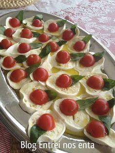 Salada Caprese da @lola são paulina. Italian recipes