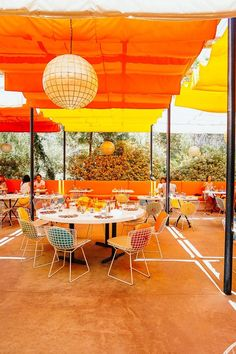 🌟Tante S!fr@ loves this📌🌟Patio at Norma's at the Parker Palm Springs Parker Palm Springs, Palm Springs Style, Parker Hotel, Lafayette House, The Colony Hotel, Outdoor Art, Outdoor Spaces, Outdoor Living, Palm Desert
