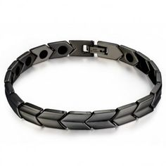 This stylish black bracelet has a sleek high polished finish. With a snake-link design with faceted surfaces, this men's bracelet closes with a jewelry clasp.