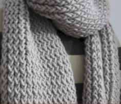 Loom Knit A Scarf In 4 Easy Steps