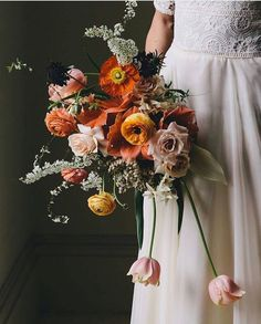 30 Non-Traditional Wedding Bouquet Ideas Wedding Flower Guide, Cheap Wedding Flowers, Wedding Flower Inspiration, Floral Wedding, Wedding Blog, Ribbon Bouquet, Pink Bouquet, Ranunculus Bouquet, Bouquet Flowers