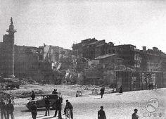 Demolizione di quartiere storico a ridosso del Foro Traiano. Si vede la Colonna Traiana Anno: 1931