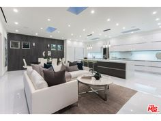 Kitchen+Living Space | BEVERLY HILLS, CA 90210 | $7,695,000