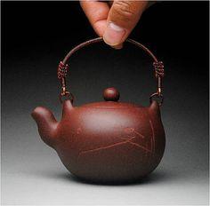 Yi li zhu teapot; Chinese GongFu TeaPot, YiXing Pottery Handmade zisha clay teapot,Guaranteed 100% genuine original mineral fired