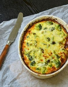 Lækker broccoli tærte på bund af kyllingefars. Lowcarb/lchf/lavkarbo/paleo