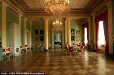 A glimpse inside the Oslo Palace sees statement pillars and magnificent chandeliers...