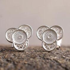 Silver floral earrings, 'Andean Shamrock' - Floral Fine Silver Stud Earrings